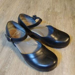 Dansko black leather mary jane clogs 37